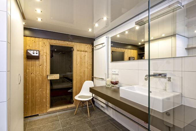 privatbad wittichenau ii k nig b der. Black Bedroom Furniture Sets. Home Design Ideas