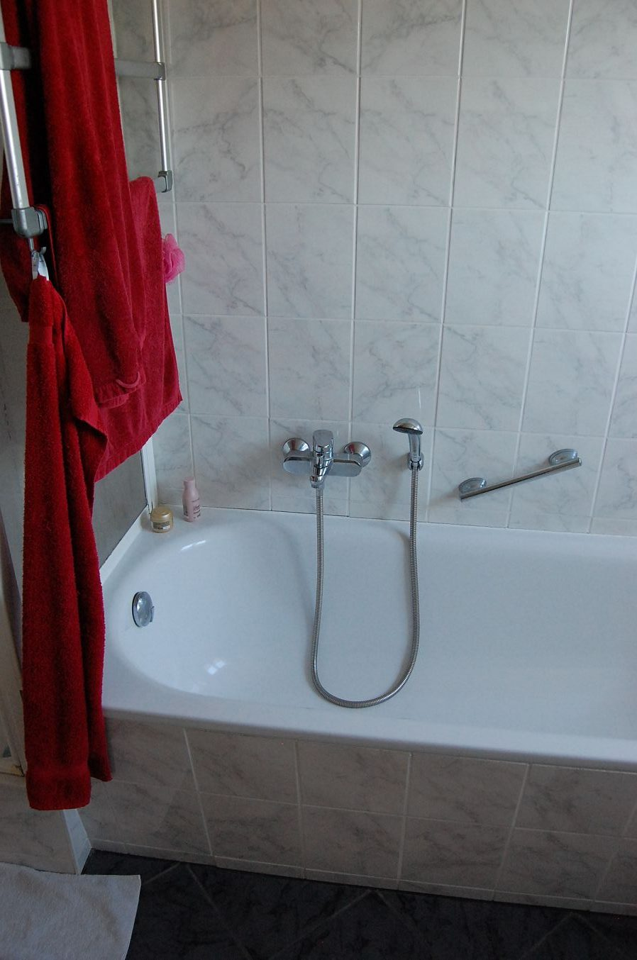Referenz - Bad vor Sanierung
